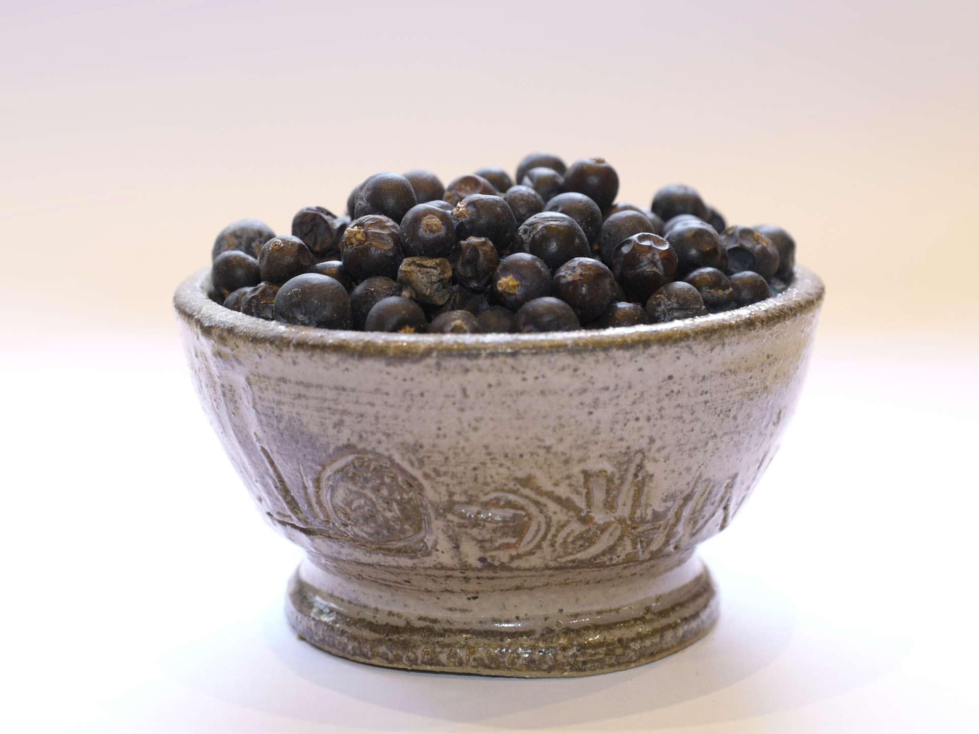 Baie de genièvre bio gin choucroute juniperus genévrier rognons de veau liégeoise