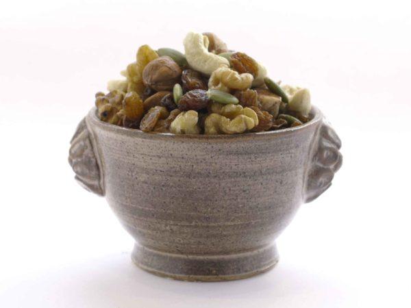 Mélange fruits secs noisette collège etudiant noix raisin sec