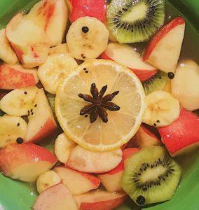 salade fruit épices banane pêche kiwi cannelle badiane anis étoilé